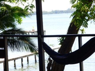 Un Puerto EcoHouse jungle-sea stay! - Isla Bastimentos vacation rentals