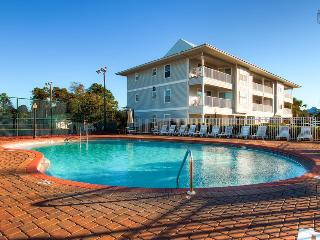 Condo with a peek of gulf views, perfect for families, two community pools and tennis courts - Sea Star - Santa Rosa Beach vacation rentals