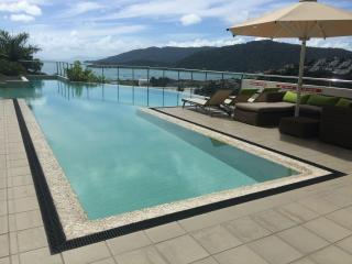 3 Bedroom Luxurious Penthouse Ocean & Island Views - Airlie Beach vacation rentals