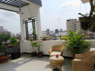 Sunny Penthouse@downtown **欢迎华人旅客^^ - Phnom Penh vacation rentals