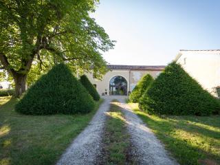 Le Gavachon : Ch. d'hotes -Cottage/Suite Familiale - Auch vacation rentals