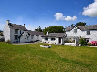 Spacious 4 bedroom House in Brynsiencyn with Garden - Brynsiencyn vacation rentals