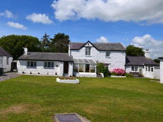 Perfect 9 bedroom House in Brynsiencyn - Brynsiencyn vacation rentals