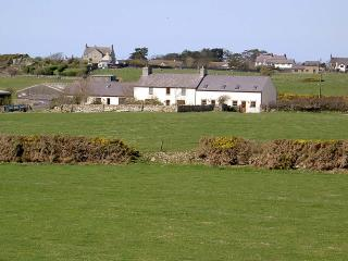 Perfect 2 bedroom Rhosneigr House with Parking - Rhosneigr vacation rentals