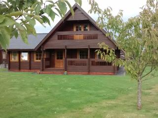 Comfortable Cabin with Television and Microwave - Menai Bridge vacation rentals