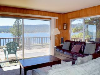 Beautiful 3 bedroom Cabin in Fawnskin with Deck - Fawnskin vacation rentals
