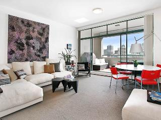 DARLINGHURST FULLY SELF CONTAINED MODERN 1 BED APARTMENT (713RIL) - Sydney vacation rentals