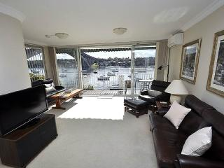 DRUMMOYNE FULLY SELF CONTAINED MODERN 3 BED APARTMENT (3DRU) - Sydney vacation rentals