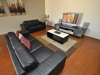 Cozy 2 bedroom Sydney House with Internet Access - Sydney vacation rentals