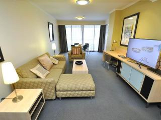 PYRMONT FULLY SELF CONTAINED MODERN 2 BED APARTMENT (802MUR) - Sydney vacation rentals
