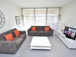 SYDNEY CBD FULLY SELF CONTAINED MODERN 1 BED APARTMENT (210SHY) - Sydney vacation rentals