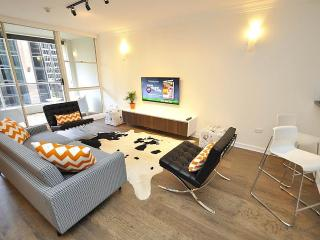 SYDNEY CBD FULLY SELF CONTAINED MODERN 3 BED APARTMENT (41YRK) - Sydney vacation rentals