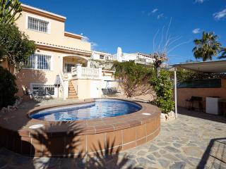 Perfect 4 bedroom La Nucia Villa with Internet Access - La Nucia vacation rentals