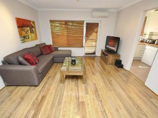 Romantic 1 bedroom Vacation Rental in Sydney - Sydney vacation rentals