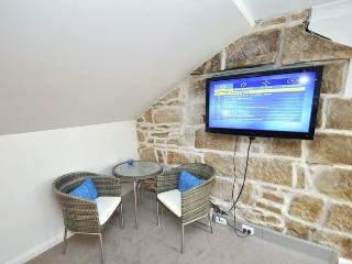 PYRMONT FULLY SELF CONTAINED MODERN STUDIO BED APARTMENT (93S3PYR) - Sydney vacation rentals
