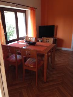 Cozy 2 bedroom Condo in Renaze with Internet Access - Renaze vacation rentals