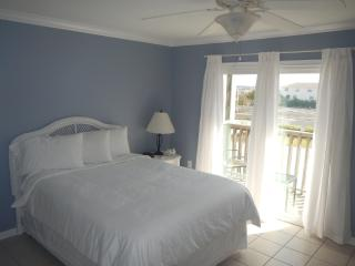 NEW LOWER RATES! Great Location! 2 BR/1.5 BA - 2 B - Gulf Shores vacation rentals