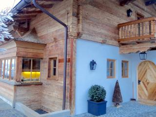 Charming 7 bedroom Kitzbühel Chalet with Internet Access - Kitzbühel vacation rentals