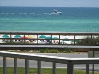 Cozy 3 bedroom Apartment in Miramar Beach with Internet Access - Miramar Beach vacation rentals