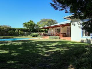 Family Home With Pool On One Level Close to Shops & Wine Routes - Vredehoek vacation rentals