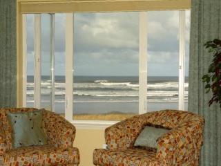 #131 - Top Floor Prime Oceanfront Stunningly Remodeled! - Westport vacation rentals