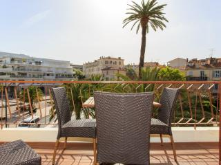Cannes (Maria3): Apart. 2 bedrooms - Cannes vacation rentals