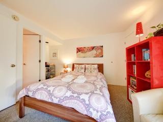 Cosy room w private bathroom close to beach - Santa Monica vacation rentals