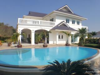Villas for rent in Hua Hin: V6228 - Hua Hin vacation rentals