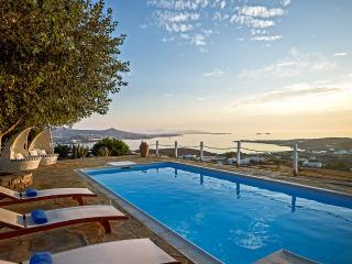 Charming Villa with Internet Access and DVD Player - Parikia vacation rentals