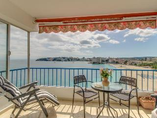Seaside condo w/ terrace, stunning sea views & beach access! - Palma Nova vacation rentals