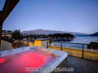 Peppers Waterfront Penthouse 402 - Queenstown vacation rentals