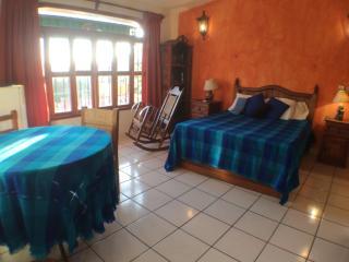 Zapotillo at El Tamarindo La Ropa Zihuatanejo - Zihuatanejo vacation rentals