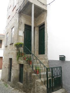 Nice 2 bedroom Guarda House with Long Term Rentals Allowed - Guarda vacation rentals