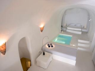 Lydia's House, Indoor heated pool, Caldera view - Oia vacation rentals
