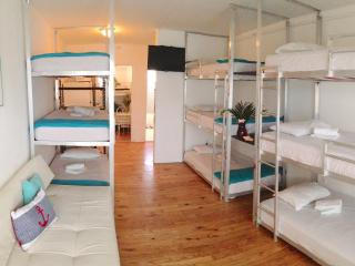 BUNK BED SUITE: POOL-SPA-BBQ.  WALK TO EVERYTHING! - Miami Beach vacation rentals
