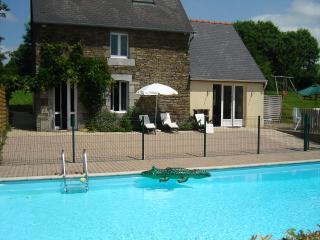 Cottage with private heated pool sleeps 6 - Champrepus vacation rentals