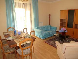 Cozy 2 bedroom Arizzano Apartment with Balcony - Arizzano vacation rentals