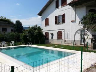 Appartamento con piscina a 4 km da Bergamo - Bergamo vacation rentals