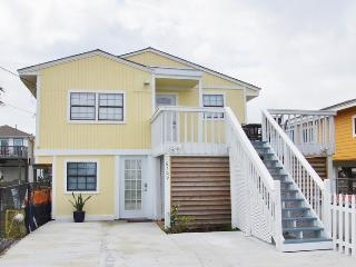 Cozy House with Internet Access and Dishwasher - Jamaica Beach vacation rentals