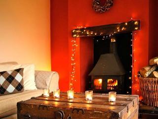 PLAS YN DRE, woodburner, flexible sleeping arrangements, fantastic views, Llanrwst, Ref 936187 - Llanrwst vacation rentals