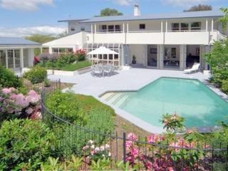 Private Lifestyle, pool, jacuzzi and tennis court - Christchurch vacation rentals