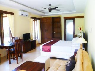 Medewi Bay Retreat - Jepun Studio Deluxe Room - 1 - Medewi vacation rentals
