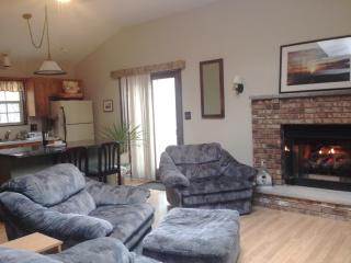 Couples Cozy Retreat with King Size Bed - Bushkill vacation rentals