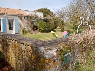 Maison de charme, 3 chambres, proche de la plage - Saint-Georges d'Oleron vacation rentals