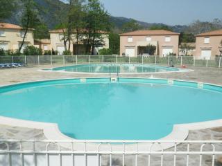Beautiful Villa in Santa-Maria-Poggio with Shared Outdoor Pool, sleeps 6 - Santa-Maria-Poggio vacation rentals