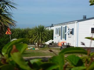 Nice 2 bedroom Caravan/mobile home in Les Pieux - Les Pieux vacation rentals
