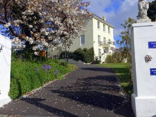 Marmalade Cottage + Sea & Countryside garden Views - Brading vacation rentals
