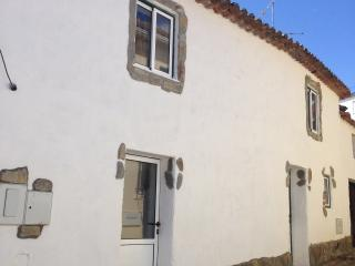 Thistle cottage alojamento local - Castelo Branco vacation rentals