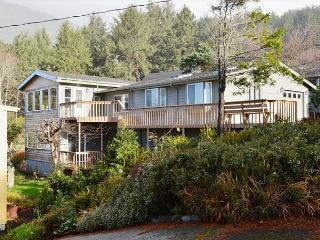 Bright 4 bedroom House in Nehalem with Deck - Nehalem vacation rentals