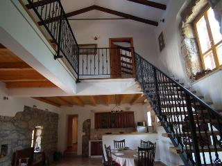 Relaxing Villa for up to 8 people - Hum vacation rentals